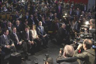 Rajoy addressing members of the tourism industry