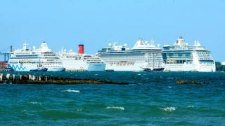 Cruise ships lined up in Cartagena