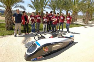The professor of Mechanical Engineering and Energy of the UMH, Miguel Angel Oliva, said that they fully expect the vehicle to achieve a distance of 2000 km