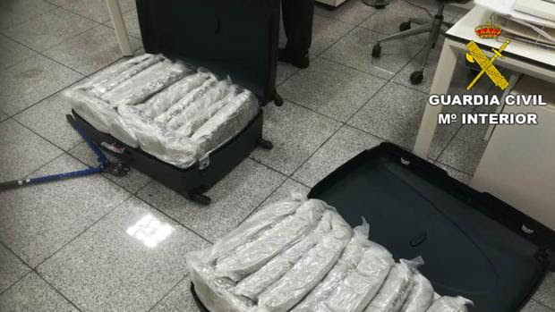 Drugs found in a suitcases at Alicante-Elce airport